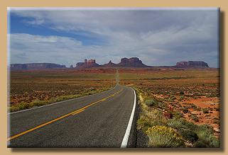 Anfahrt zum Monument Valley