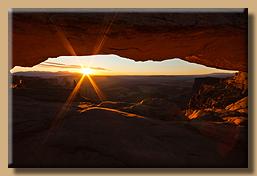 Sonnenaufgang am Mesa Arch