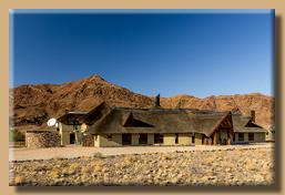 Haupthaus der Hoodia Desert Lodge