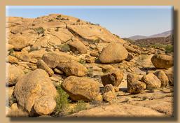 Riesige runde Felsen beherrschen das Bild bei Bull's Party